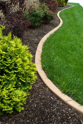 Landscape edging in Olanta SC by Vets 4 U Landscaping, LLC.
